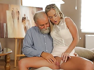 OLD4K. Teen celebrates end of all exams by having sex