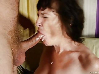 Sexy old granny loves sucking & fucking cock for a facial cumshot