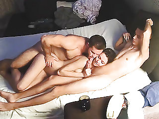 Bi Sex Muscle Man & Friends – Hard Homemade Threesome