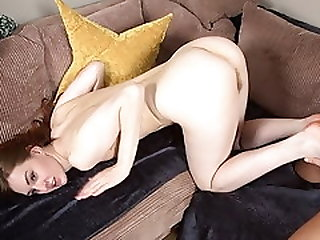 Cute Ariadna Wants Load On Her Feet