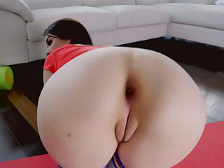 Round booty gf asshole screwed by horny dude at home
