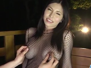 Sofia Takigawa loves posing while getting finger fucked