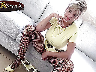 Busty Aunt Sonia loves making you edge before you cum