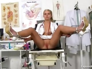 20 Girls showing her pussy by doc
