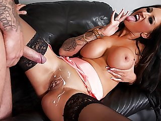 Brittish big tits bimbo loves a good hard fuck