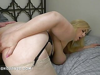 A peeping tom backscuttles a huge tits blonde mature