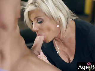 Hot stud fucks with a sexy GILF Payton Hall