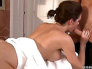 Veronica Avluv, While Staying In A Hotel, Calls The Front Desk For A Complimentary Massage.Johnny Decides To Fulfill