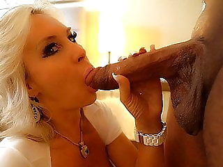 Massive BBC Pounds MILF's Pussy And Fills With Cum